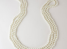 1920s-Charleston-beads-long-string-pearls-flapper