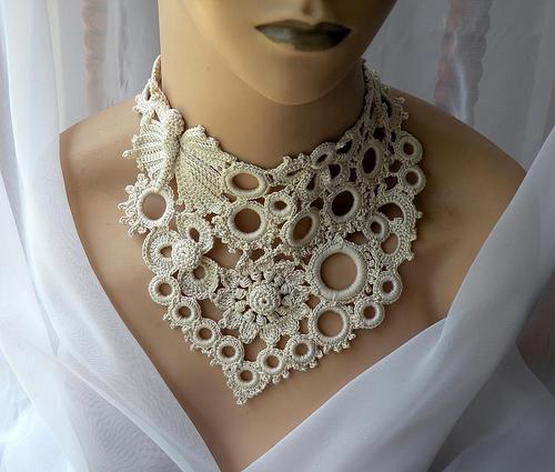 Чаще всего вязаные ожерелья