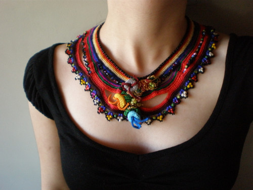 Freeform-Crochet-Necklace-3