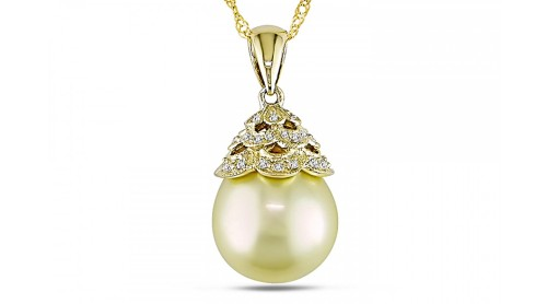 PPX_200694_best-zoom_Golden_South_Sea_Pearl_and_Diamond_14K_Yellow_Gold_Pendant