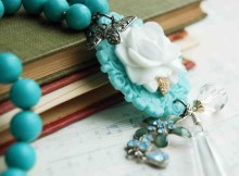 a b Turquoise & white Rose necklace 8 (1 of 1)