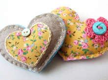 more_brooches_0