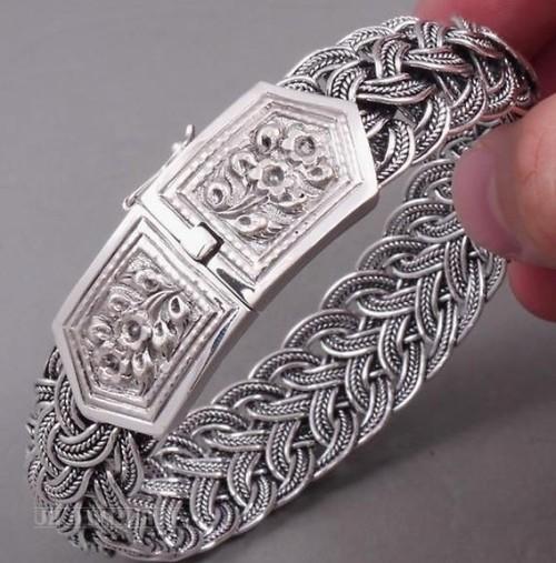 Молодежные серебряные браслеты